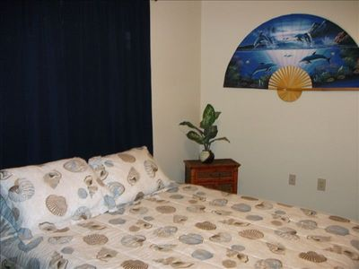 Seashore Room, Queen memory foam