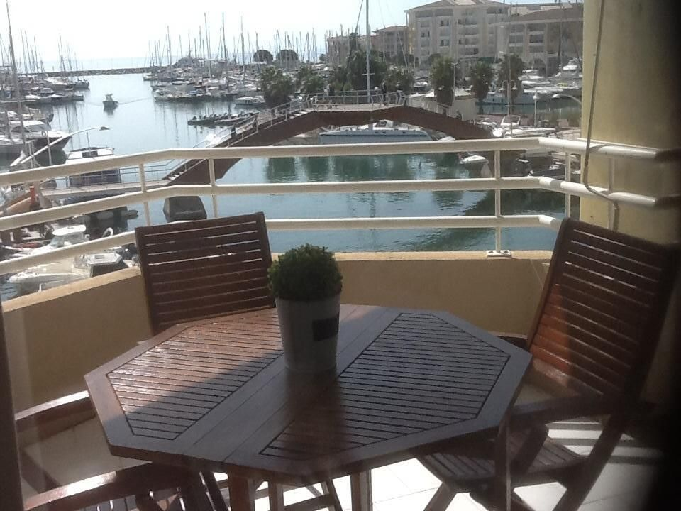 BEAUTIFUL APARTMENT BEAUTIFUL VIEW AND SEA PORT