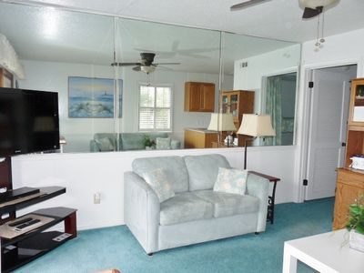 Forest Beach condo rental - Livingroom with new sofa and loveseat