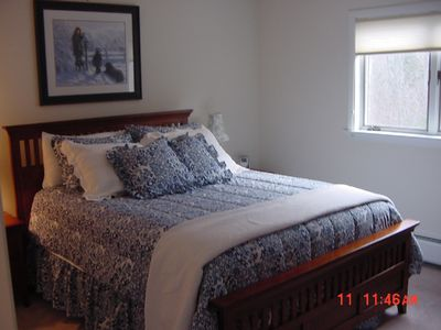 Jay Peak townhome rental - Queen guest room