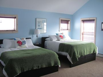This is the upper level bedroom with two queen beds! With more great views!