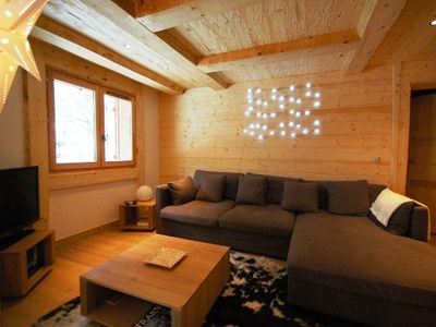 Chamonix apartment rental - Living area with satellite TV, DVD player & WIFI
