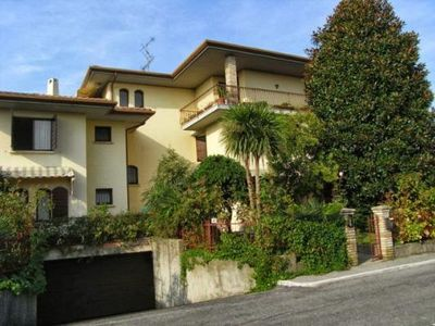 Holiday Apartment in Sirmione for 6 persons only 200 meter from Lake Garda.
