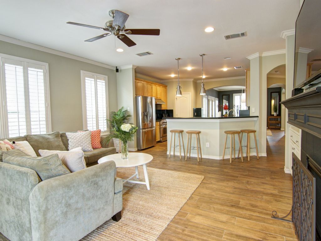 Large Family Home in Heart of 78704 sleeps 10+,  30-Day min. rentals only