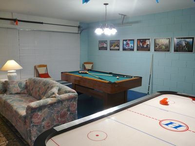 Pool table, air hockey and PS2 in games room