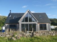 Stunning Individually Designed Property On Shore In The Village Of Glenelg
