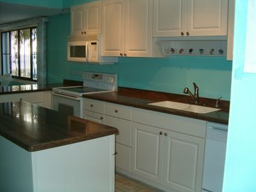 Newly renovated Kitchen 2011!