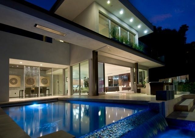 West hollywood hills modern contemporary vrbo for Modern homes hollywood hills