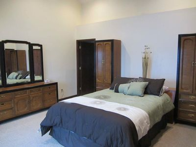 Arrowhead Lake house rental - Main Master Suite with private bathroom