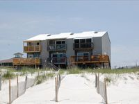 2/2.5 Gulf front townhouse, great views, pet friendly.