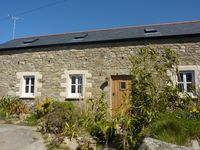 A Beautifully Converted Barn Only 500m From Praa Sands Beach