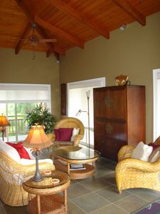 Kealakekua Bay house rental - Upstairs Great Room