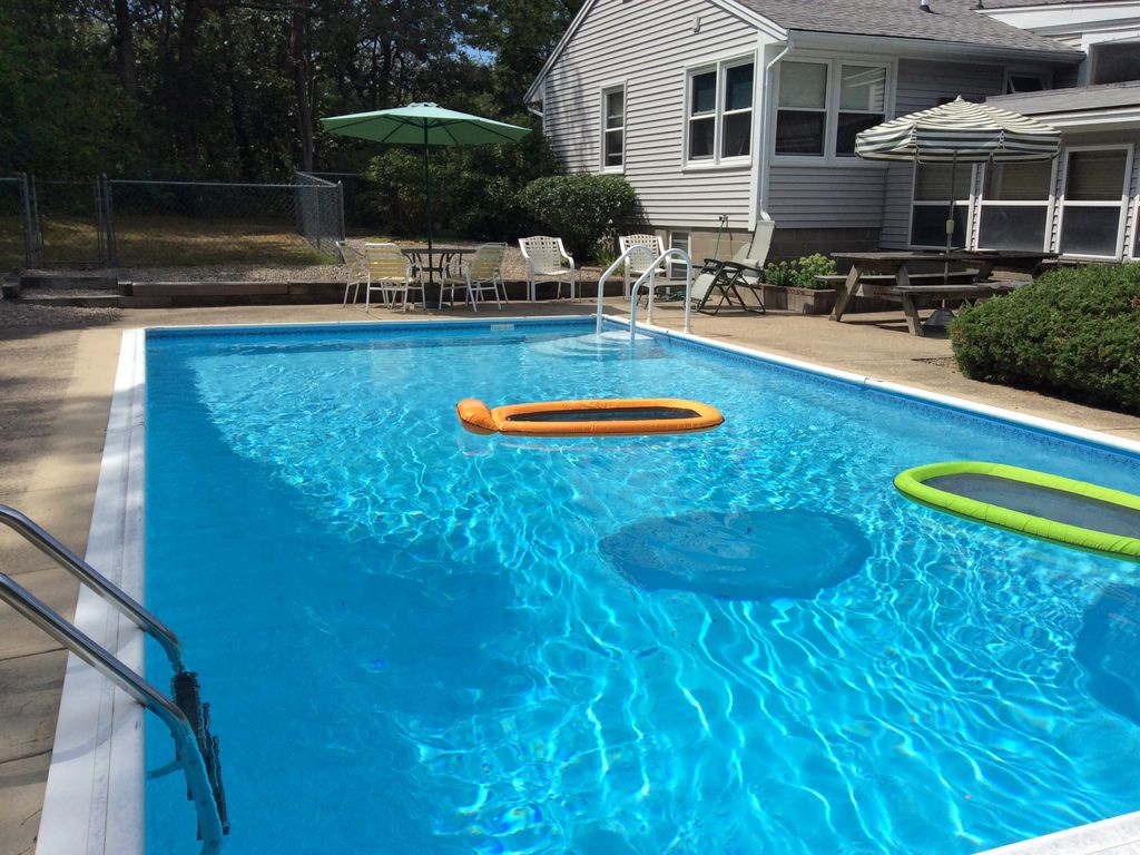 Private pool and easy access to crystal homeaway orleans for Private swimming pool