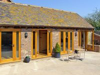 THE BYRE, character holiday cottage in Billingsley, Ref 2476