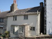 Beautiful seaside period cottage, pets welcome