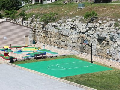 Westgate Branson Lakes at Emerald Pointe - Playground and Basketball Court