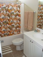 Carolina Beach townhome photo - Bathroom 1