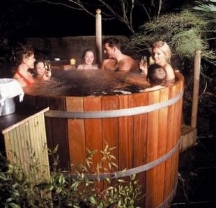 All Cedar Hot Tub for Fun and Relaxing