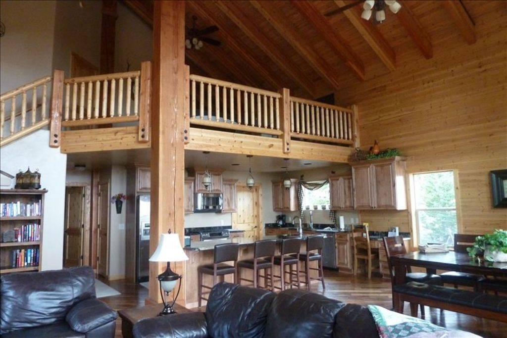 Enjoy luxury at it 39 s finest vrbo for Cabin rentals vicino a brian head utah