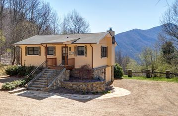 Waynesville chateau / country house rental - View from the front of Majestic Vista.