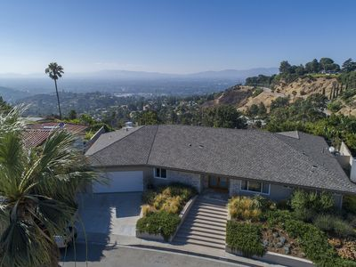 NEW! HOLLYWOOD HILLS 4 BD, FAB VIEW, PRIVATE, SAFE, UPSCALE, WINTER SPECIAL $599