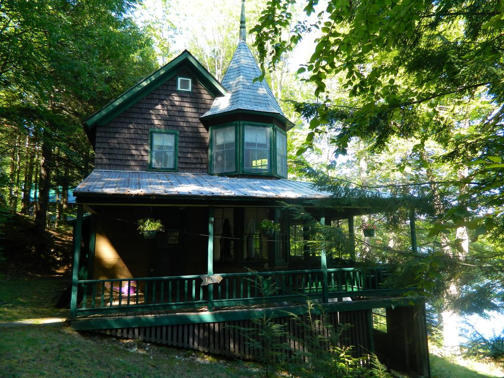 A classic maine cabin on lake pennesseewassee vrbo for House plans maine