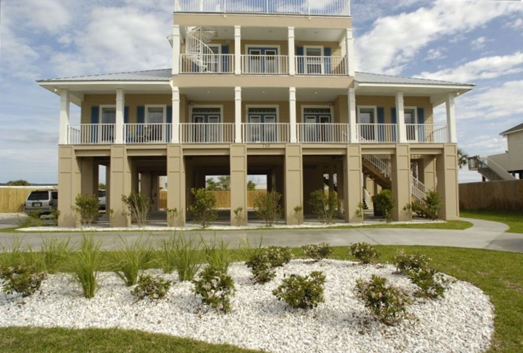 Tan And Broke Beach House With A Private Pool Vrbo