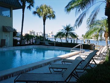 Barefoot Pelican pool and spa on the bay
