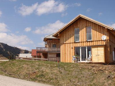 Brand new chalet, 150 meters from the runway and in the mountains