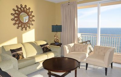 Splash 806E ~ Living room with beautiful ocean front view