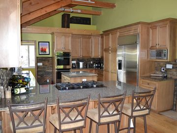 Dorrington cabin rental - Spacious, gourmet kitchen
