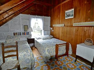 Peaks Island cottage photo - Upstairs Bedroom 5 with Two Double Beds