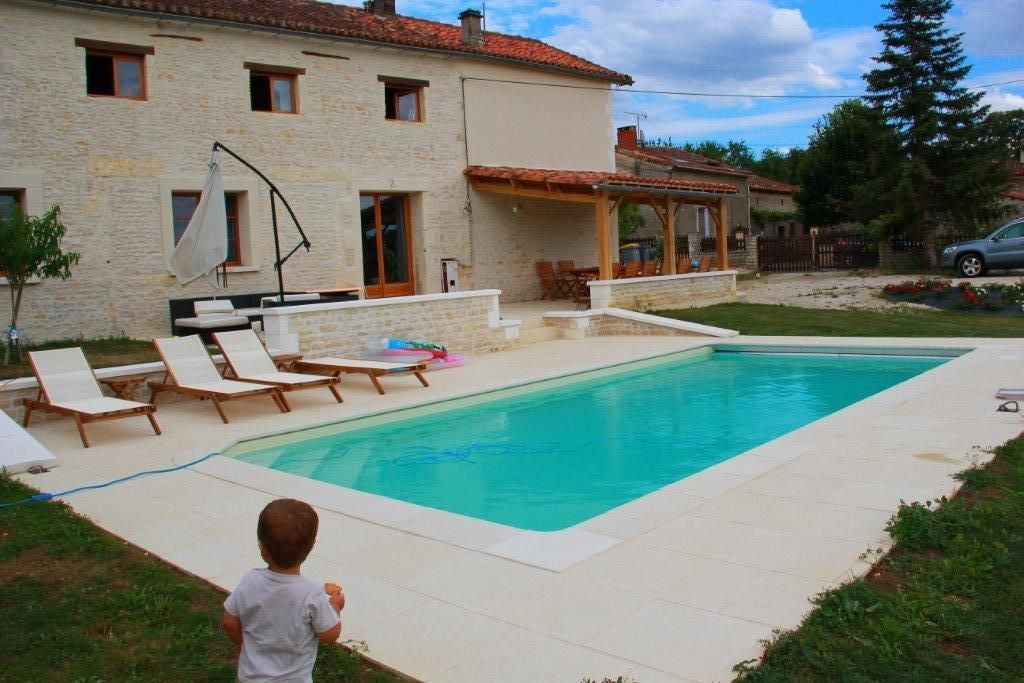 Charente Cottage For 8 10 People With Swimming Pool