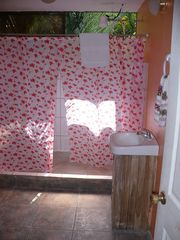 Manuel Antonio townhome photo - 2nd Floor bathroom