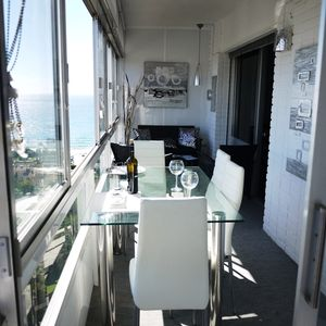 200 m from the beach, modern apartment with view of the sea and the mountains