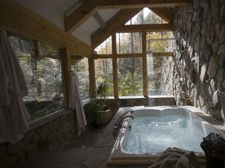 Boone cabin photo - Luxury Bath