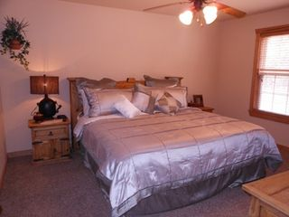 Branson lodge photo - King Master Suite with memory foam mattress