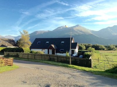 Large, comfortable apartment for 2 with mountain views near Glencoe, Highlands