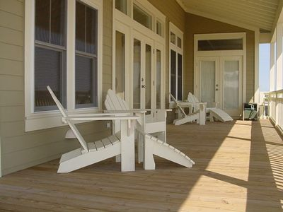 Relax on the front porch and enjoy the cool breezes off the Gulf of Mexico