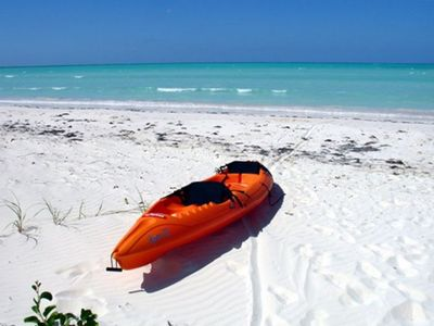 Spanish Wells house rental - Beach in Front of House with Kayak for Use