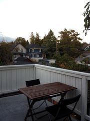 Vancouver studio photo - Deck to enjoy your morning coffee or a glass of wine after a day of sightseeing.