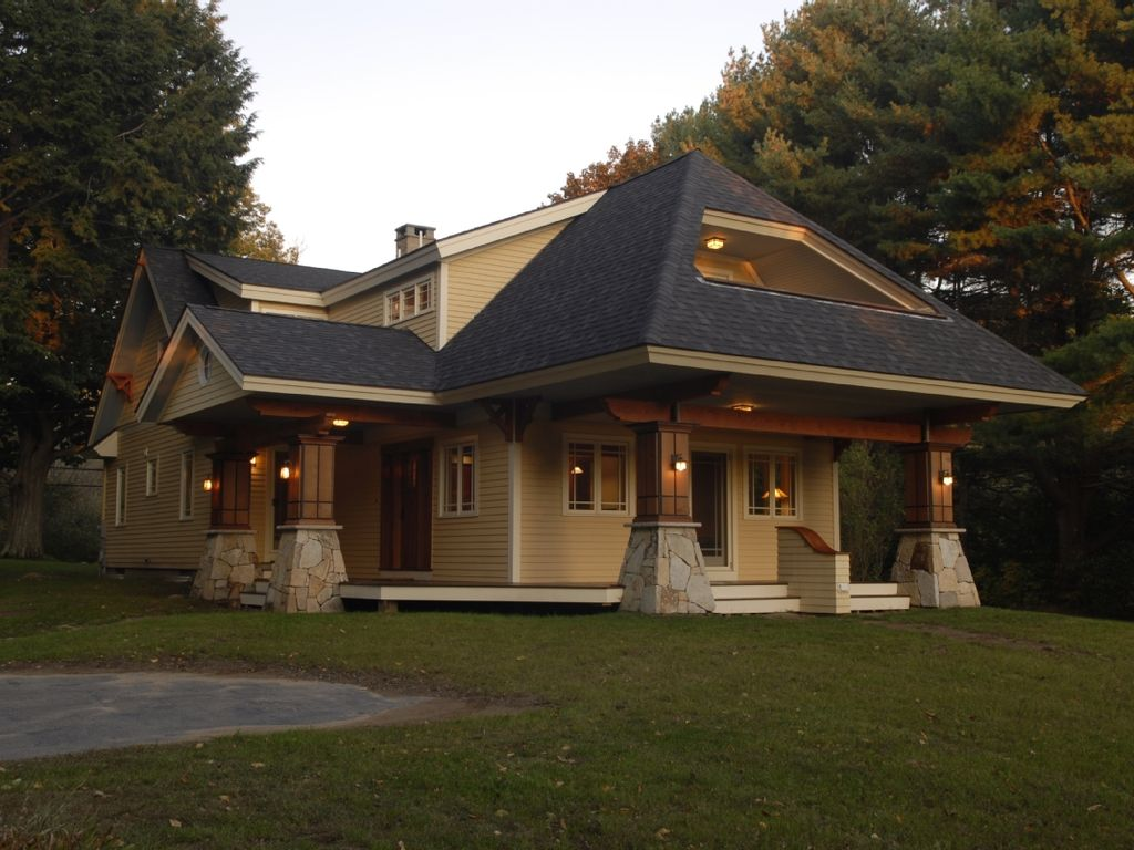 Maine arts and crafts bungalow on tidal homeaway kittery - Arts and crafts bungalow house plans paint ...