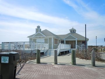 Seagull Beach Concession Stand and Bathhouse