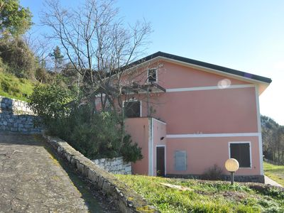 Villa in the green hills around Moneglia