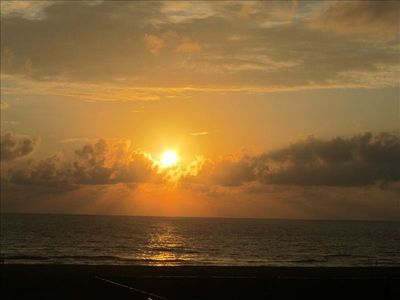 A view of the sun rise at the Elliots beach which is next to the Guest House