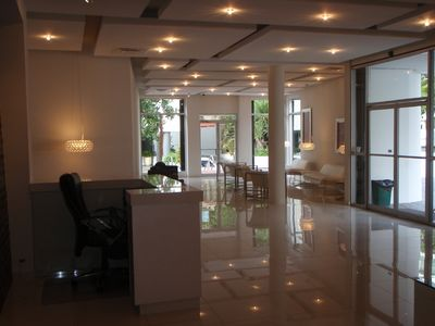 Renovated lobby with air conditioned and WI-FI