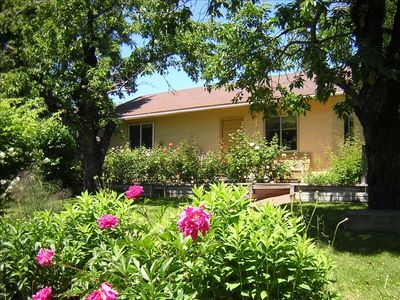 Rose Garden Cottage 900 S.F. all to yourself surrounded by beautiful gardens
