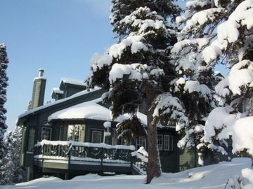 Anchorage house rental - Winter Wonderland around North Country Castle