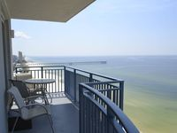 3BR/3BA End Unit, Upgraded Premium Condo. Walk To Pier Park!