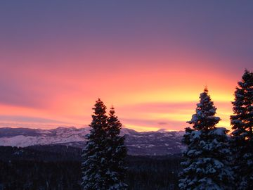 Donner Lake house rental - Sunrise from your window